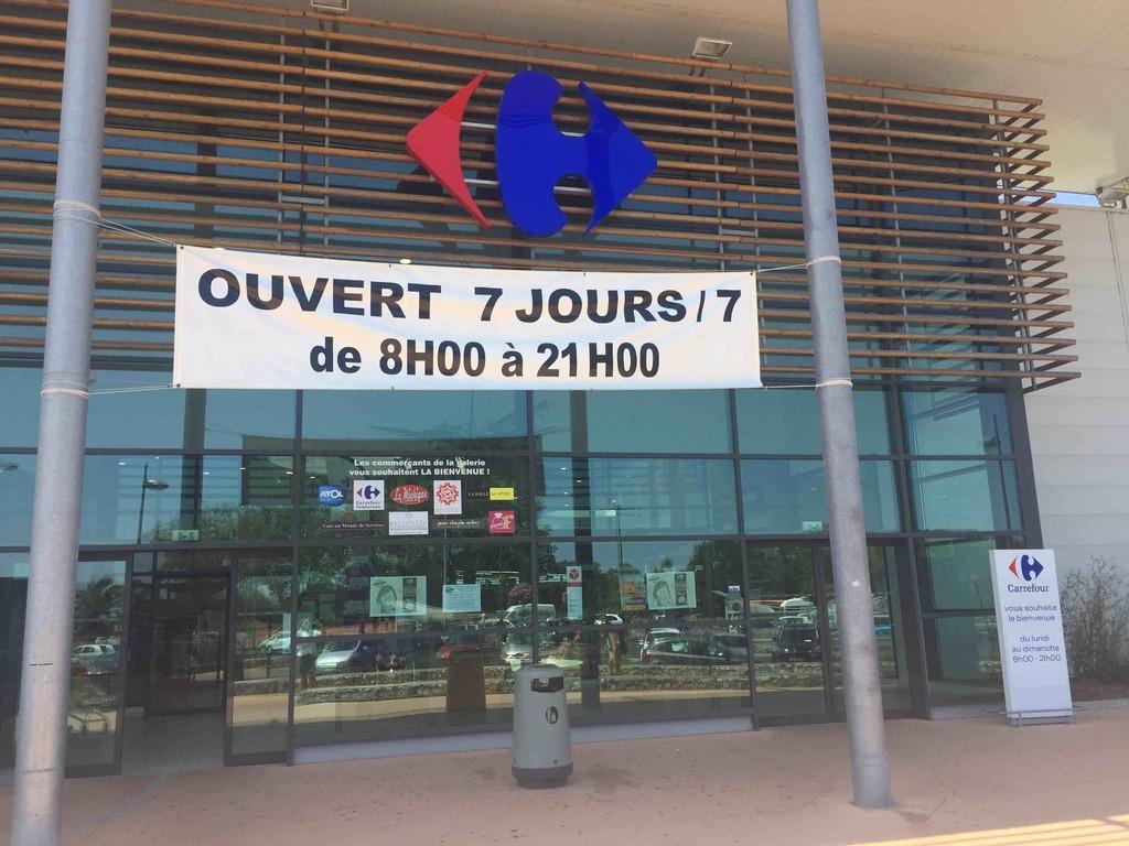 34410 Sérignan, France