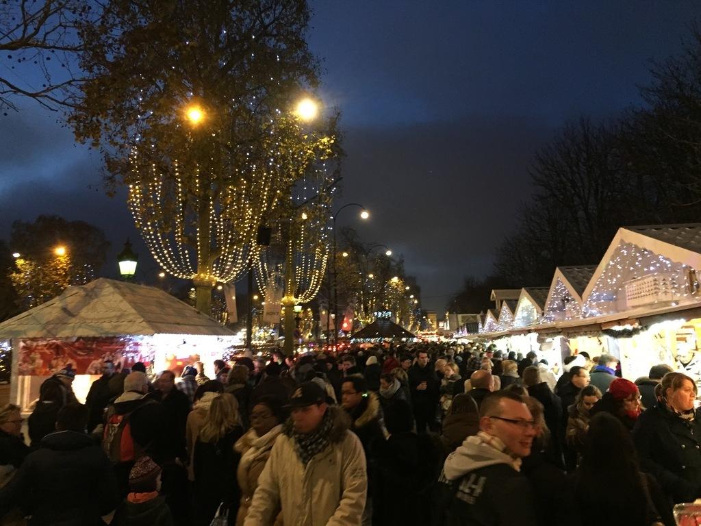Comptoir Aux Santons Champs Elysee