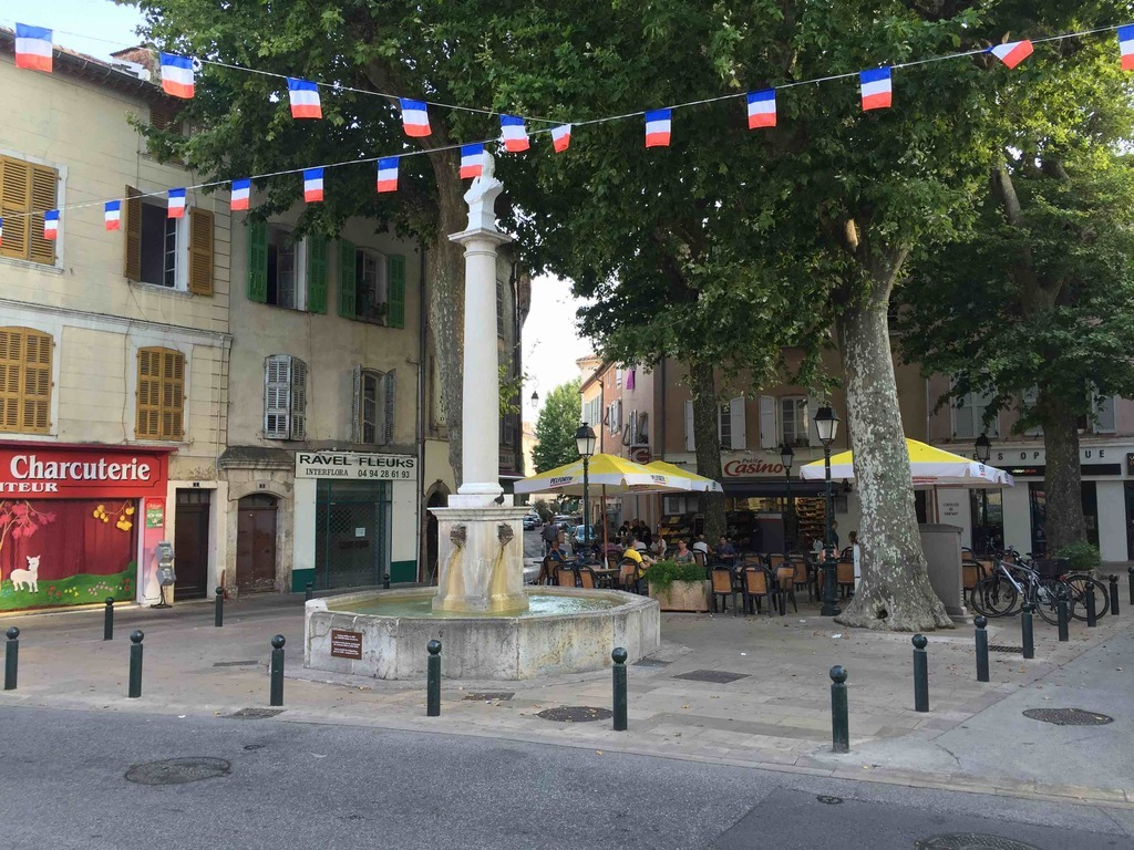 83390 Cuers, France