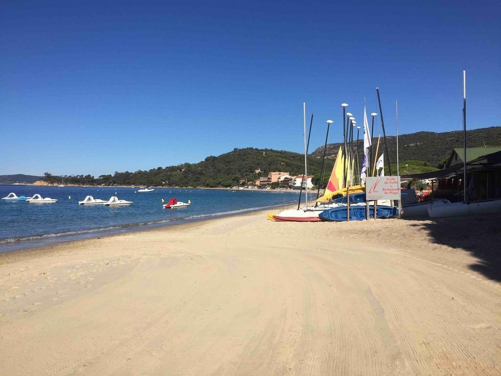 Akwaba Beach
