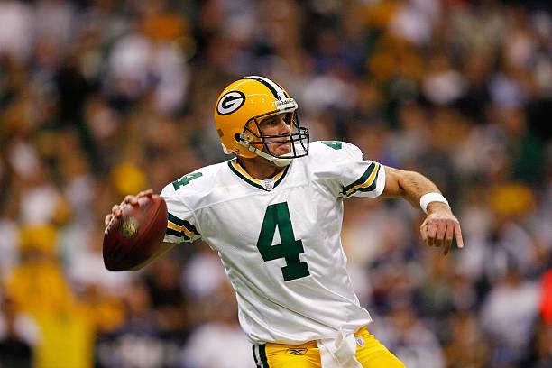 5 Athletes Who Stepped Away From Retirement at fanxperienceBrett Favre