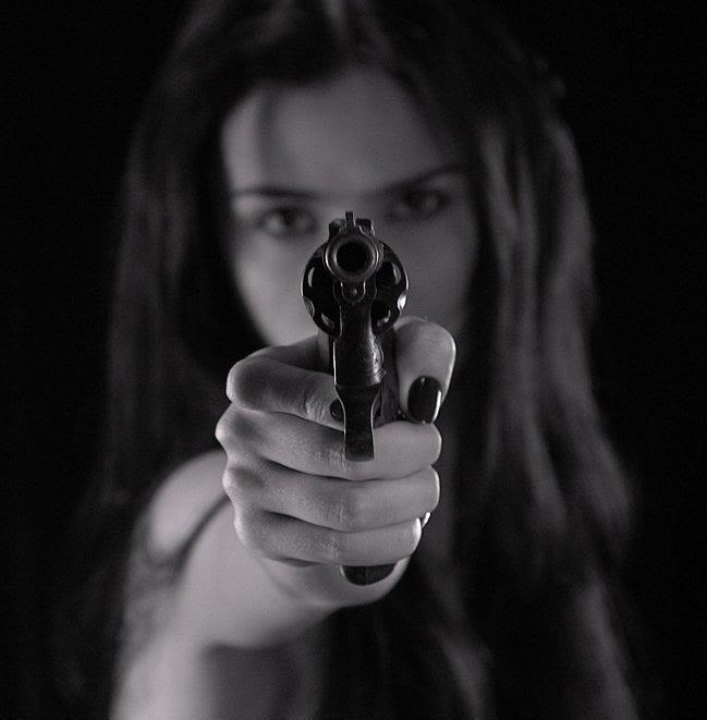 Woman Pulls Gun Wal-Mart
