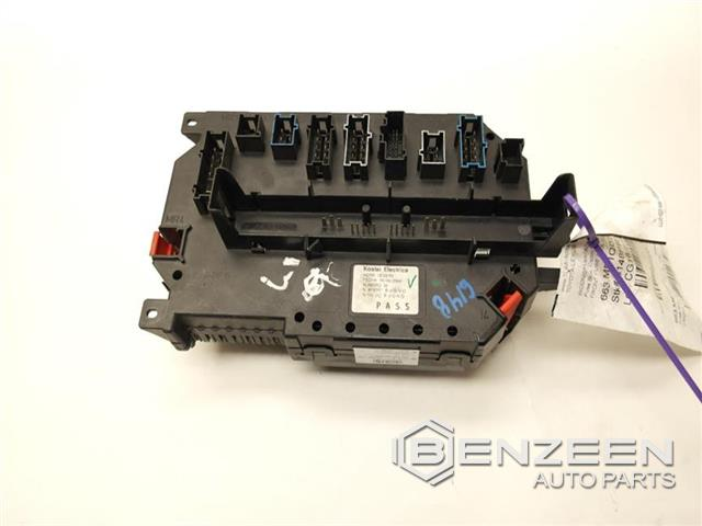 Used 2007 Mercedes Benz S550 Stdfuse Box Cabin Benzeen Auto Parts