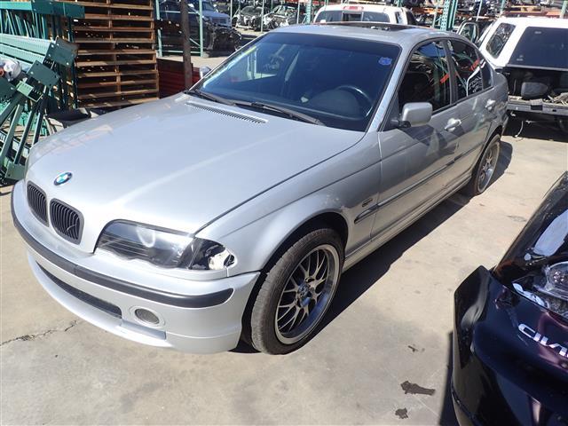 BMW 330i 2001 - 6402RD