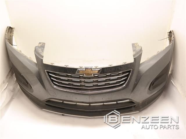 Oem 95943371 Used 2015 Chevrolet Trax Lt Front Bumper Cover