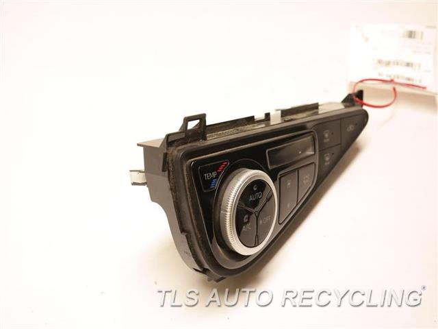 2018 Toyota Prius Temp Control Unit  BLK,PRIUS C VIN B3, 7TH AND 8TH