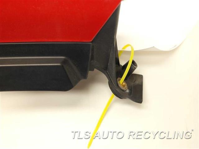 2004 Volvo Xc90 Tail Lamp 306782210        PASSENGER UPPER TAIL LAMP
