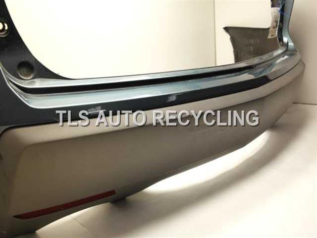 2008 acura mdx bumper cover rear has scuffs and scratches on the rh tlsautorecycling com 2017 Acura MDX 2008 Acura MDX Interior