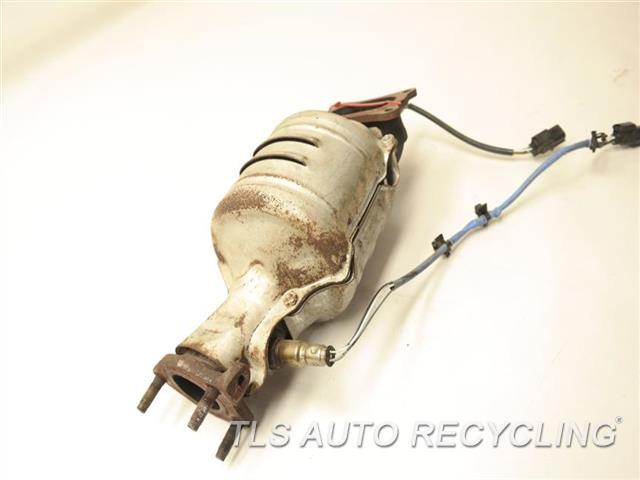 2010 Acura RL Exhaust Manifold