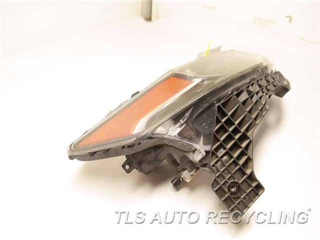 2012 Acura Tl Headlamp Assembly NEED BUFF, GLASS HAS MINOR HEAT STRESS CRACKS RH. HID HEADLAMP