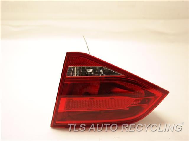 2010 Audi A4 Audi Tail Lamp 8K5945094E PASSENGER LID MOUNTED TAIL LAMP