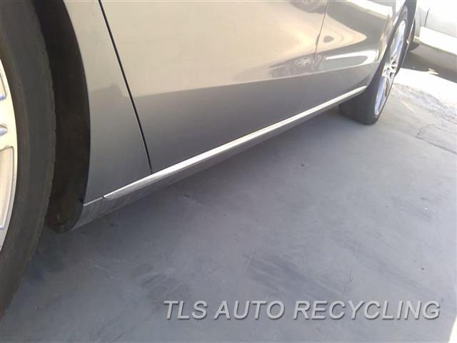 2013 Audi A8 Audi Rocker Pnl Moulding  RH,GRY,CHROME,A8L