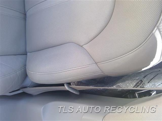 2013 Audi A8 Audi Seat Belt Front  GRY,(BUCKET SEAT), DRIVER, RETRACTO
