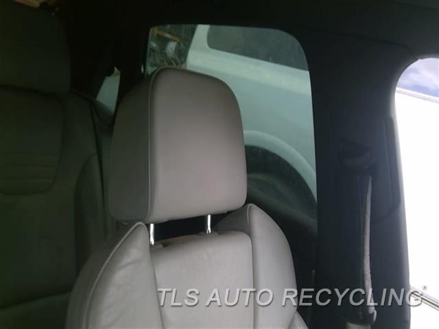 2005 Audi S4 Audi Headrest  GRY,LEA,FRONT
