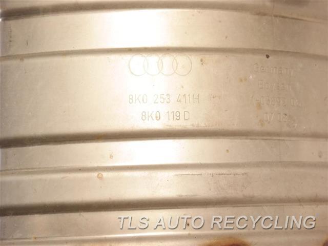 2009 Audi S5 Audi Muffler W/ CENTER PIPE  8T0253609CF  8T0253609CE  8T0253409G REAR MUFFLER ASSY