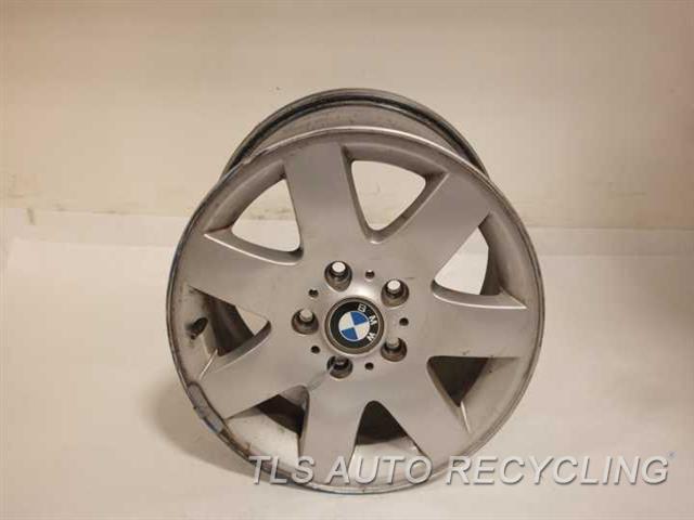 2004 Bmw 325i Wheel HAS OUTER CURB RASH FACE HAS SCUFF 16X7  7 SPOKE  WHEEL