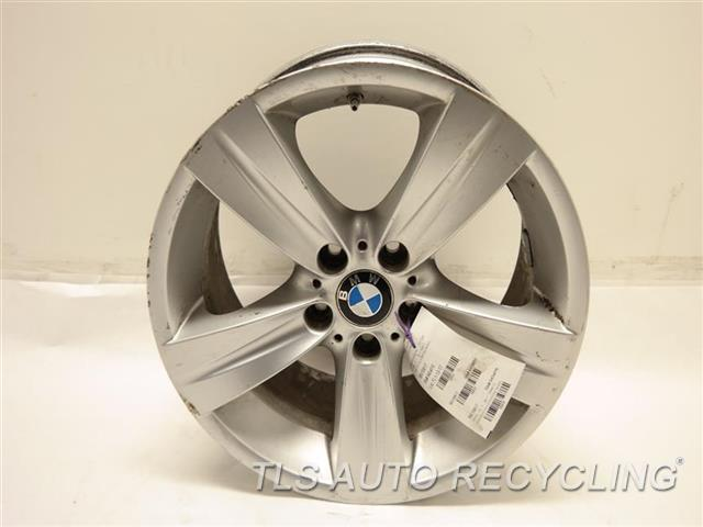 2011 bmw 328i wheel outer edge has curb rash18x8 front. Black Bedroom Furniture Sets. Home Design Ideas