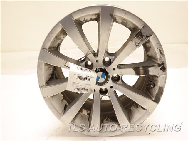 2011 bmw 328i wheel curb rash17x8 10 spoke alloy wheel. Black Bedroom Furniture Sets. Home Design Ideas