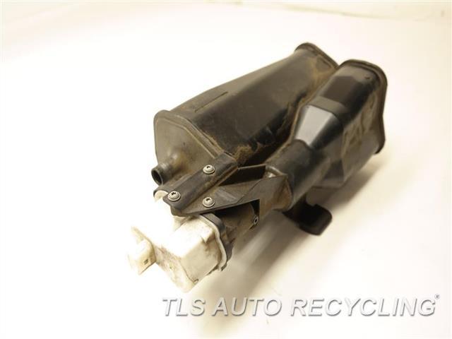 2008 Bmw 335i Fuel Vapor Canister  FUEL VAPOR CANISTER 16137163596