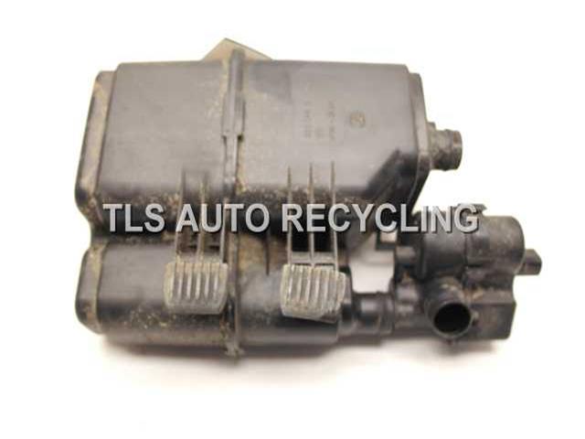 2004 Bmw 545i Fuel Vapor Canister  FUEL VAPOR CANISTER 16137162350