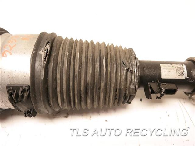 2017 Bmw 740i Strut BOOT(DUST INSULATOR) HAS RIP RH. FRONT AIR SPRING STRUT ASSY