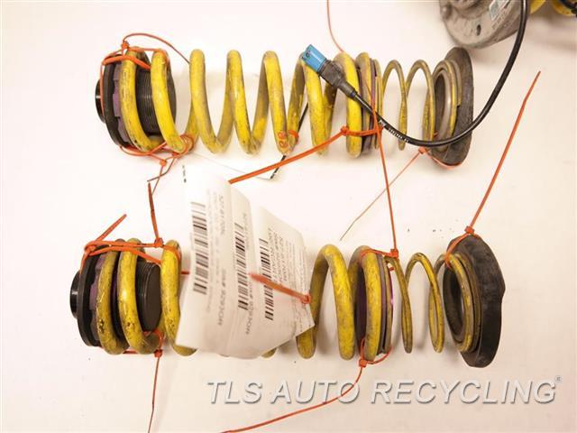 2016 Bmw M4 Strut ASSY, ELECTRONIC DAMPING CONTROL, AFM, BRAND KW 65106082  KW 65091024   SET FRONT STRUT W/REAR COIL SPRING