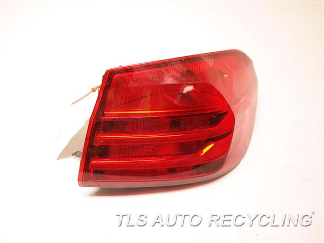 2016 Bmw M4 Tail Lamp  RH,QUARTER PANEL TAIL LAMP