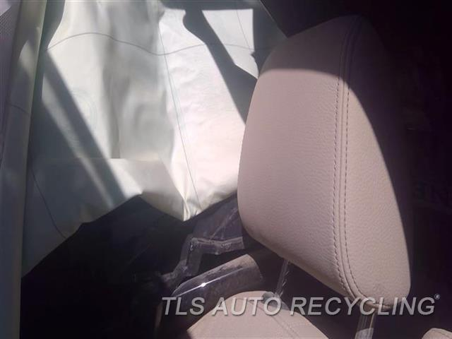 2016 Bmw X1 Headrest  TAN LEATHER FRONT