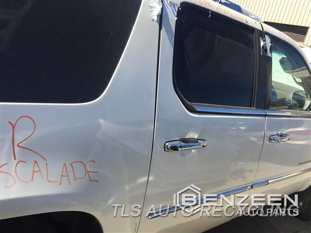2007 Cadillac Escalaesv Door Assembly, Rear Side CROME MOLDING CRACKED  000,RH,WHT,PW,PL