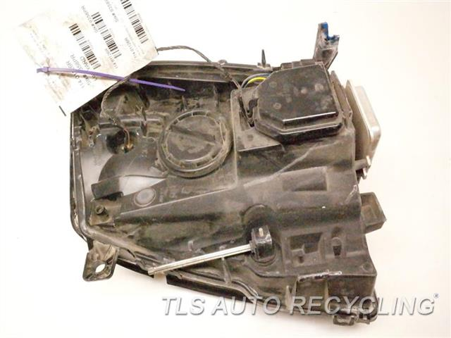 2007 Cadillac Escalaesv Headlamp Assembly MINOR DAMAGED LOWER TAB, NEED BUFF RH. HID HEADLAMP