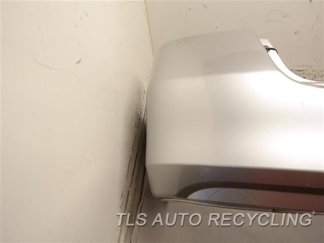 2006 Honda Accord Bumper Cover Rear   HAS SCUFF ON THE MIDDLE SECTION SDN, STEEL REINFORCEMENT, 3.0L