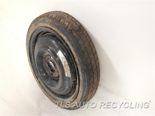 2005 Honda Civic Wheel HAS SCUFFS ON THE FACE COVER 14X4 SPARE WHEEL