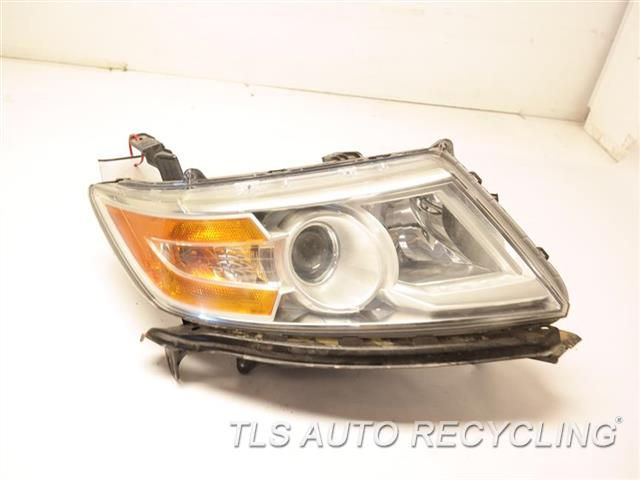 2011 Honda Odyssey Headlamp Assembly DEEP SCUFF ON THE LOWER SECTION RH,HALOGEN, R.