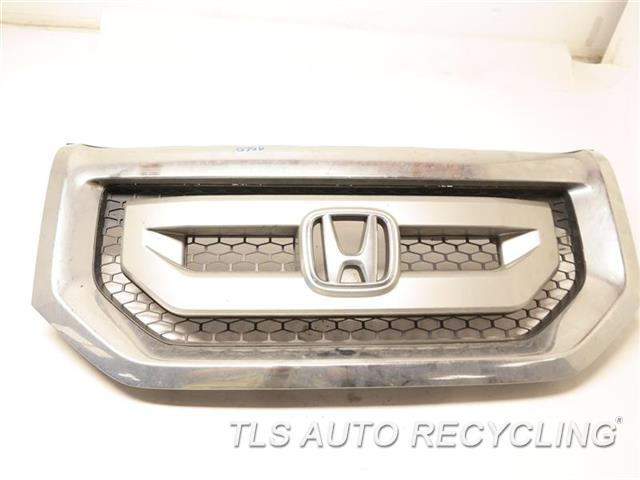 2009 Honda Pilot Grille CHROME HAS MINOR WRINKLES ON THE UPPER SECTION SLV,UPPER