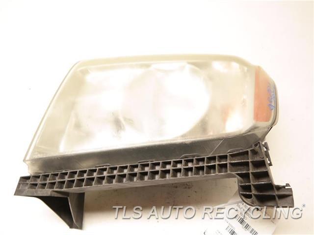 2009 Honda Pilot Headlamp Assembly NEED BUFF LH. HALOGEN HEADLAMP