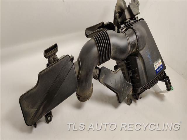 2012 Hyundai Genesis Air Cleaner  5.0L,SDN, 5.0L