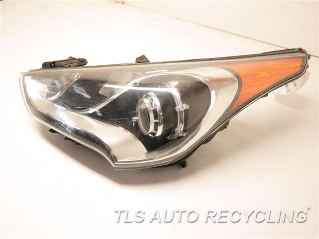 2013 Hyundai Veloster Headlamp Assembly GLASS HAS MINOR ROCK CHIPS LH. HALOGEN HEADLAMP, PROJECTOR