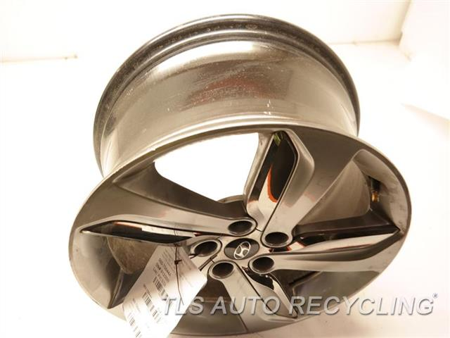 2013 Hyundai Veloster Wheel HAS SCRATCHES 18X7-1/2  GRAY ALLOY WHEEL