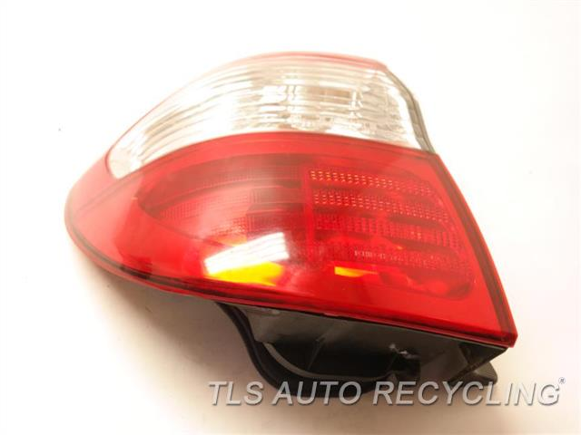 2001 Infiniti I30 Tail Lamp 265552Y090  DRIVER QUARTER MOUNT TAIL LAMP