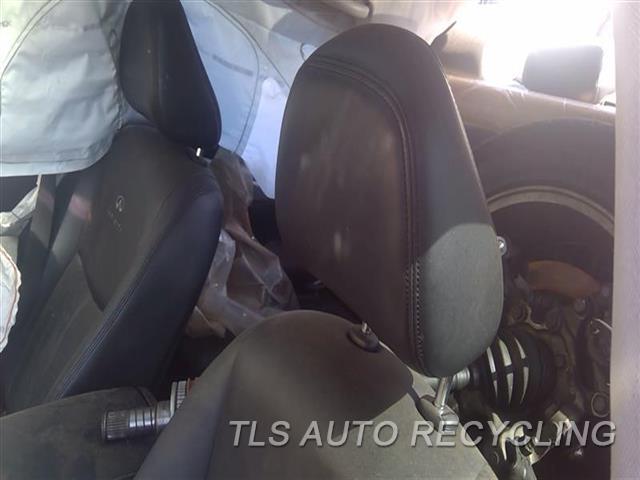 2014 Infiniti Q50 Headrest  BLK,LEA,FRONT