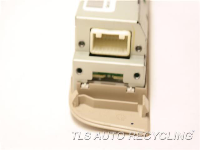 2010 Infiniti Qx56 Radio Audio / Amp 28260ZQ00B REAR ROOF AUDIO CONTROL PANEL