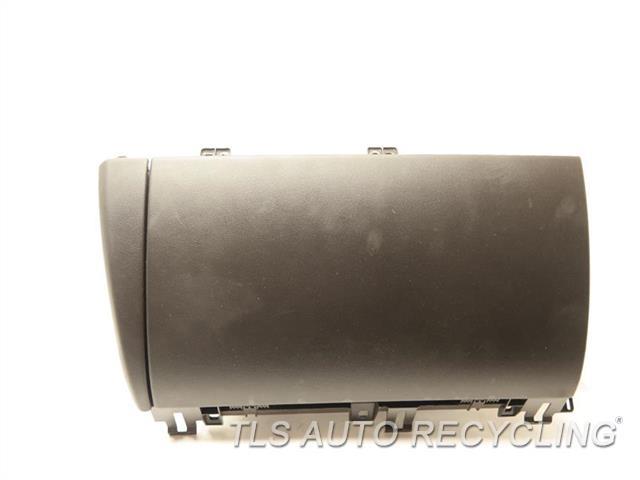 2011 jaguar xf glove box c2z15962sel used a grade. Black Bedroom Furniture Sets. Home Design Ideas