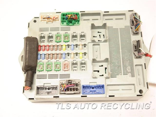 jaguar_xf_2013_fuse_box_cabin_429107_02 Jaguar Xf Penger Fuse Box on