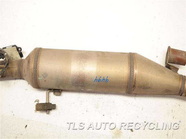 2015 Jeep Grandcher Exhaust Pipe  CENTER EXHAUST PIPE 68243268AB