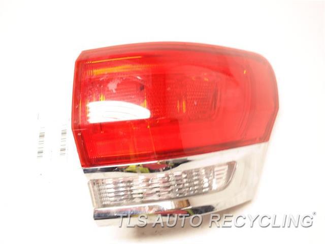 2015 Jeep Grandcher Tail Lamp  RH,QUARTER PANEL MOUNTED, W/O BEZEL