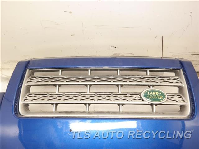 2009 Land Rover Lr2 Bumper Cover Front W/FOG LAMPS, W/WASHERS,  SCUFF ON THE PASSENGER SIDE 6S2,BLUE BUMPER W/GRILLE