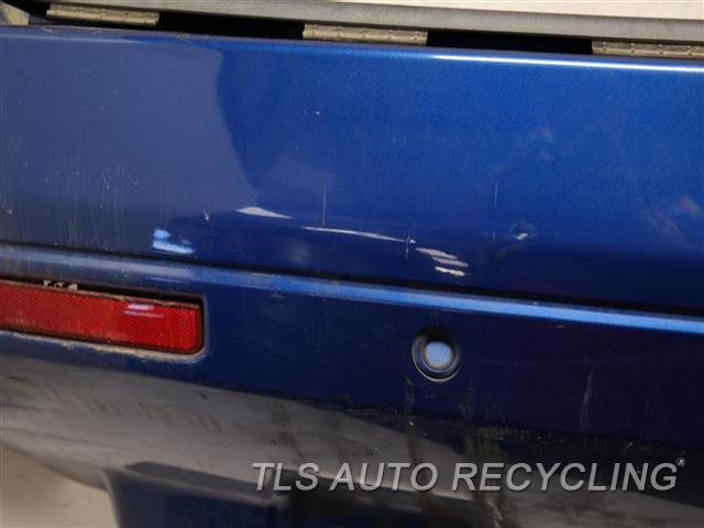 2009 Land Rover Lr2 Bumper Cover Rear   HAS DENT ON THE MIDDLE SECTION BLU,BUMPER W/PARK ASSIST, FOG LAMPS