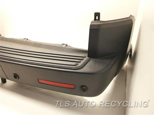 2006 Land Rover LR3 Bumper Cover Rear
