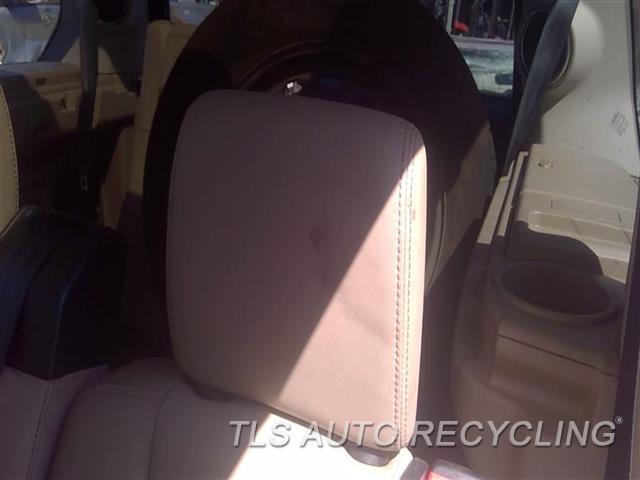 2011 Land Rover Lr4 Headrest  TAN LEA REAR OUTER