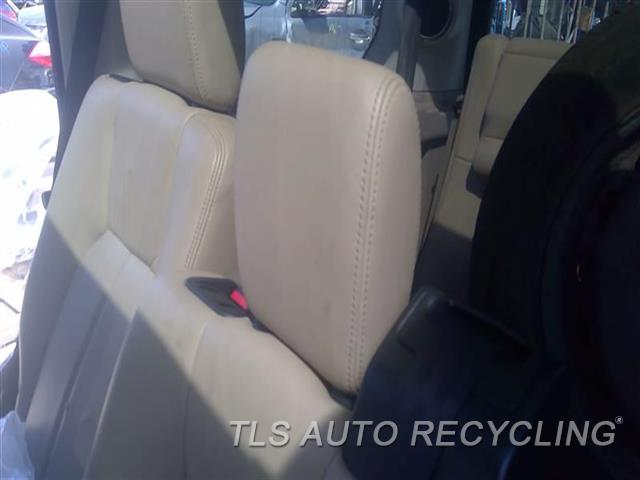 2011 Land Rover Lr4 Headrest  TAN LEA REAR CENTER